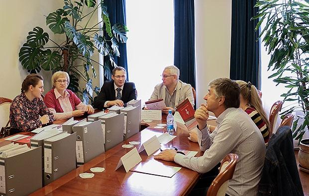 """Заседание наблюдательного совета премии """"Народная марка"""", сентябрь, 2014г."""